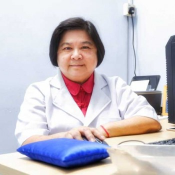 鍾兰英中医师 Choong Lian Jin